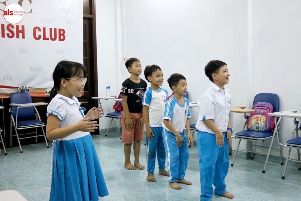 Phương pháp học tiếng Anh trẻ em hiệu quả qua trò chơi